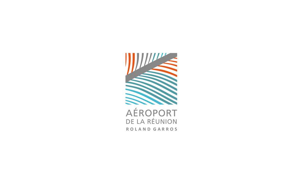 Roland Garros Airport, Reunion